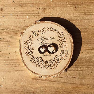 Drewniana podstawka na obrączki