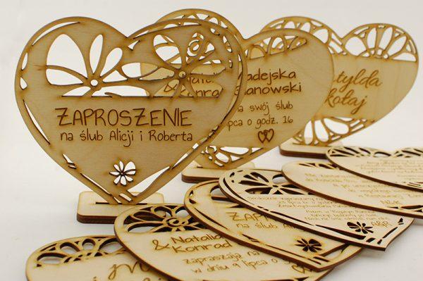 Zaproszenia drewniane wycinane laserowo - serducha