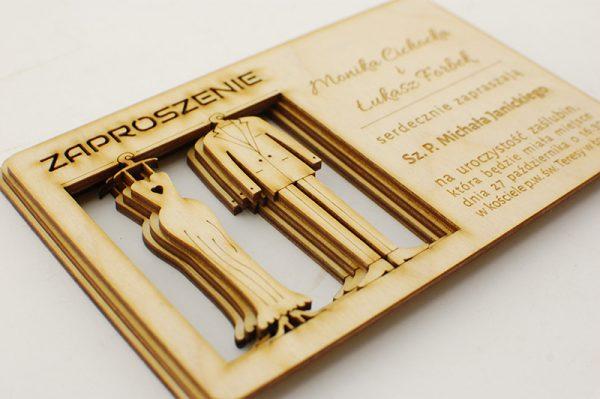 Zaproszenia drewniane wycinane laserowo - szafa młodej pary